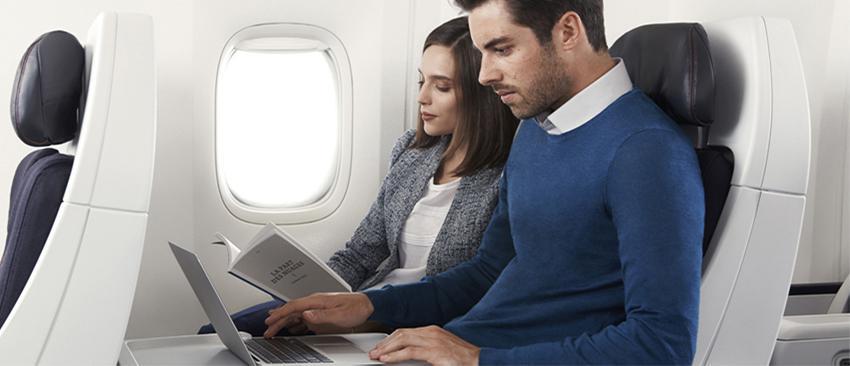 Giá vé máy bay đi  cập nhật hiện nay